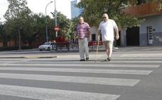 Los vecinos exigen semáforos en la Hispanidad para evitar atropellos