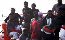 Más de 80 inmigrantes son rescatados en Cádiz y Estepona
