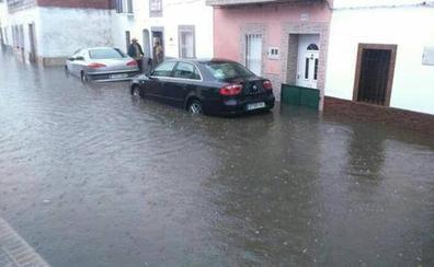 Una tormenta provoca daños materiales en 30 viviendas de Puebla de Obando