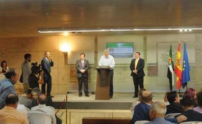 Más de 250 alcaldes firman el compromiso con el Pacto por el Ferrocarril