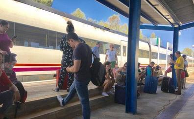 Los firmantes del Pacto por el Ferrocarril irán a Madrid en un tren fletado para el 18-N