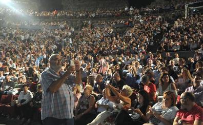 Carlos Núñez se despide de Les Luthiers tras 50 años y conquistar el Teatro Romano