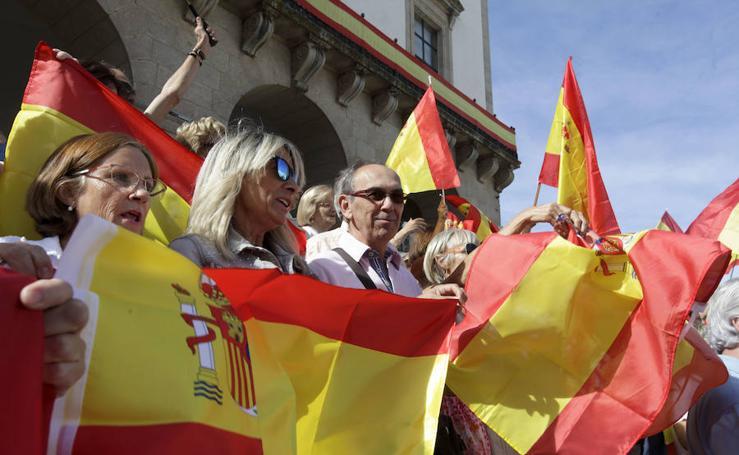 Manifestación contra el referéndum en Cáceres