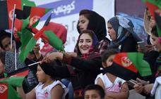 Las futboleras afganas toman las gradas