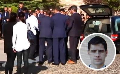 Cientos de personas despiden al capitán Aybar, cuyo avión se estrelló al volver del desfile de la Fiesta Nacional