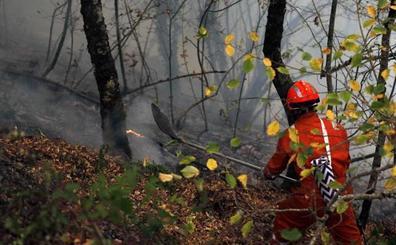 Asturias rebaja el nivel de alerta con solo dos fuegos activos
