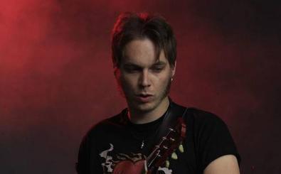 El guitarrista de Los Zigarros, ingresado por una grave infección de garganta