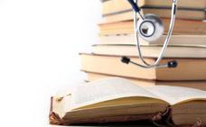Una biblioteca de Guadalajara recibe donaciones 'misteriosas' de libros
