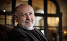 Eslava Galán reivindica el valor de la cultura en su 'Enciclopedia'