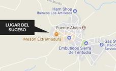 Un trabajador resulta herido tras precipitarse al vacío en Calera de León