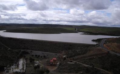 El recibo del agua sube cuatro euros al año en la Campiña Sur por la conexión a una presa