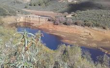 La presa de Santa Lucía, de donde beben nueve municipios, tiene agua para cuatro meses