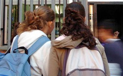 Extremadura reduce los casos de acoso escolar de 99 a 55 en un curso