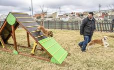 El nuevo parque canino de los paseos del río ya está abierto
