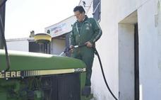 El Gobierno limita a 75 litros el repostaje en las gasolineras para agricultores