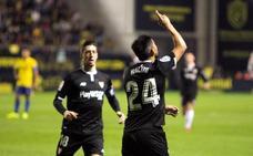 El Sevilla encarrila la eliminatoria en el debut de Montella