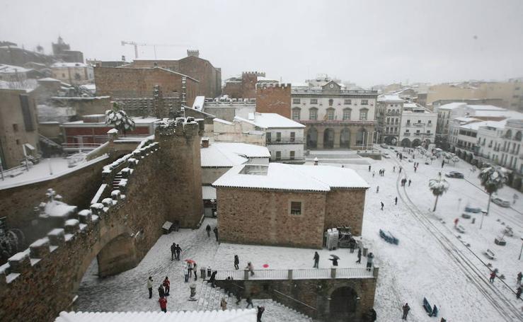 La nevada de 2010 en Cáceres, en imágenes