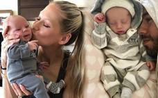 Enrique Iglesias y Anna Kournikova presentan a sus hijos