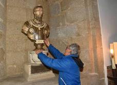 El busto de Carlos V regresa al Palacio del Marqués de Mirabel de Plasencia