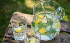 Agua con limón por la mañana, ¿de verdad es buena?