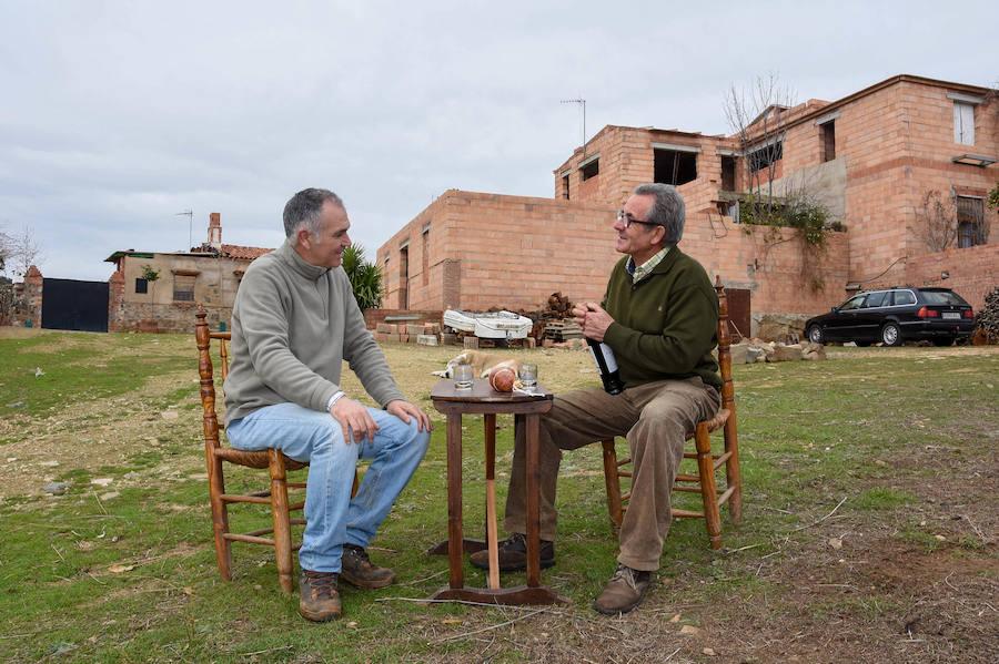 Reconstruye Los Rubios, la aldea extremeña donde se crio su madre