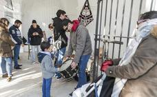 Costaleros y músicos de Cáceres abren sus puertas