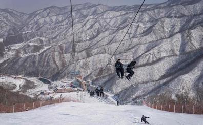Esquiadores surcoreanos llegan al Norte para entrenamiento conjunto
