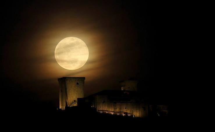 Así se vio la 'superluna' en todo el mundo