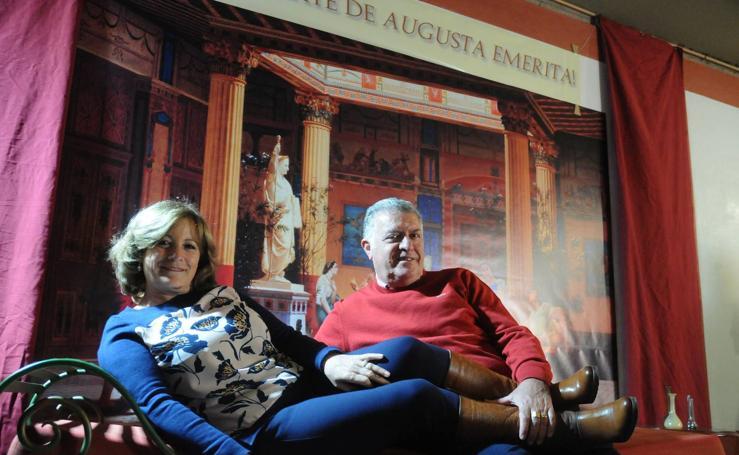 Besos y más besos en el Museo Romano de Mérida