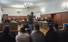 Dos años de cárcel para los acusados de propinar una paliza en Novelda
