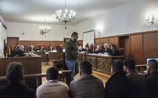 Dos años de cárcel para los diez acusados de propinar una paliza a dos jóvenes en Novelda