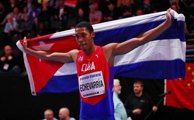 Echevarría se disfraza de Iván Pedroso, la escuela cubana está de vuelta