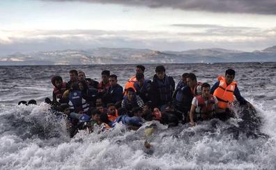 Más de 13.000 solicitantes de asilo siguen atrapados en las islas griegas