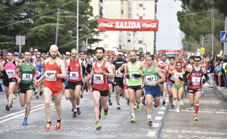 La lluvia da una tregua a la maratón de Badajoz