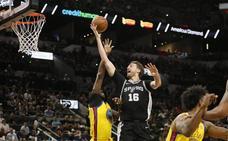 Pau Gasol ayuda en la cuarta victoria consecutiva de los Spurs