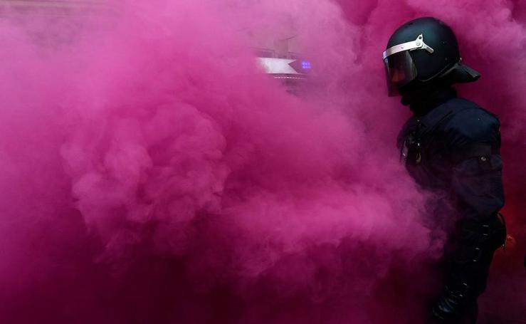 Tensión en Barcelona entre manifestantes independentistas y los Mossos