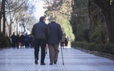 La pensión media en la provincia solo supera los mil euros en Cáceres y Almaraz