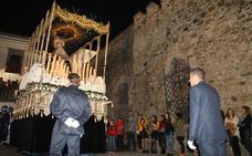 La Cofradía del Ecce Homo de Jerez escenifica la presentación de Jesús en el balcón de Pilatos