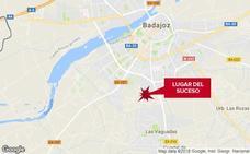 Un motorista de 63 años resulta herido grave en un accidente en Badajoz