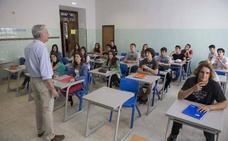 La consejera de Educación destaca los avances en el nuevo decreto de interinos