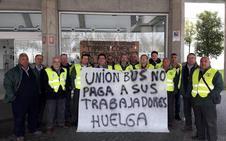 Conductores y empleados de Unionbus secundan el paro y se manifiestan en Villanueva y Don Benito