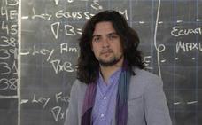 Profesor de 'telecos' de día y cantaor de flamenco de noche