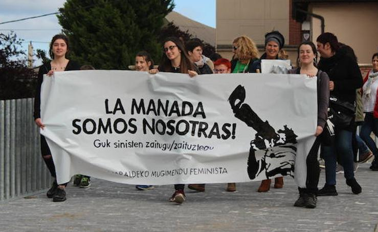 Miles de personas se manifiestan en contra de la sentencia a La Manada