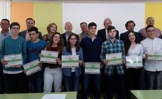 Ocho estudiantes extremeños reciben los premios del XII Concurso Regional de Ortografía