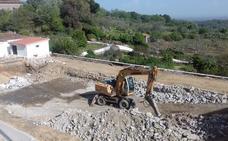 Comienza la reparación de la piscina municipal de Valverde