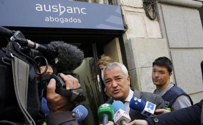 «El que se la juega a Ausbanc, la paga»
