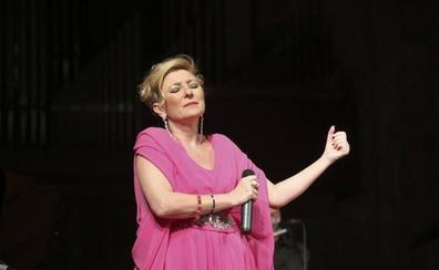 Pilar Boyero y Pedro Monty actuarán en diez centros de mayores pacenses