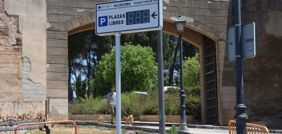 El aparcamiento abierto de la Alcazaba se limita a 130 plazas