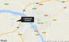 Un joven de 20 años resulta herido al caer al foso de un taller en Mérida