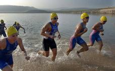 Este domingo, natación en aguas abiertas en el embalse Peña del Águila